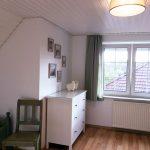 Schlafzimmer mit zwei Enzelbetten