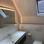 Badezimmer oben mit neuen Waschtisch